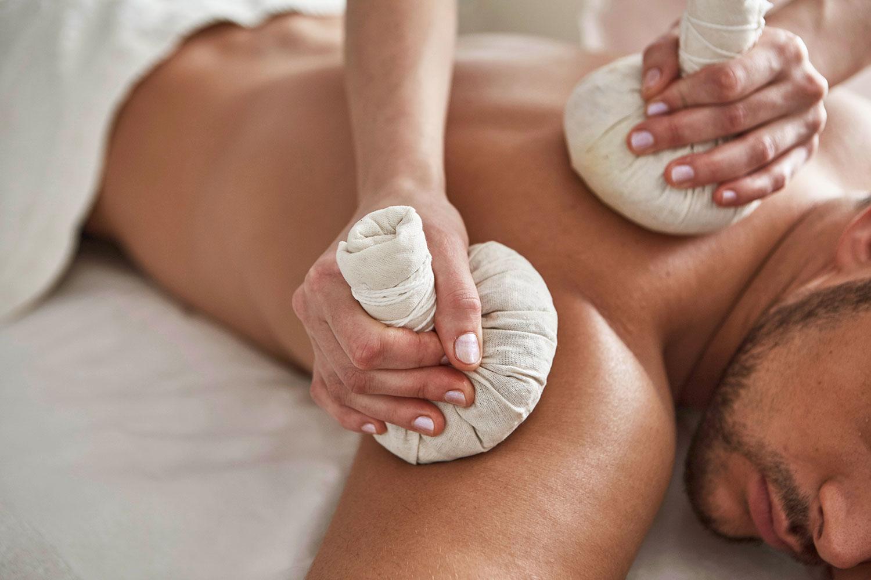 Kräuterstempel Massage Eyelada